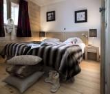 Alpes D'Huez  Location Appartement Luxe Acroitie Chambre