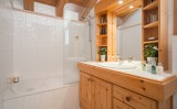 bathroom-9510