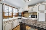 Courchevel 1300 Luxury Rental Chalet Nieruole Kitchen
