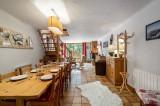 Courchevel 1300 Luxury Rental Chalet Nieruole Dining Room