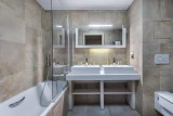 Courchevel 1550 Luxury Rental Appartment Telekia Bathroom