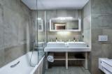 Courchevel 1550 Luxury Rental Appartment Telokia Bathroom