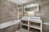 Courchevel 1550 Luxury Rental Appartment Telumite Bathroom 2