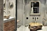 Courchevel 1550 Luxury Rental Chalet Niibite Bathroom 2