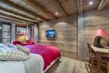 Courchevel 1550 Luxury Rental Chalet Niuréole Bedroom 6