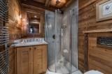 Courchevel 1550 Luxury Rental Chalet Niuréole Bathroom 2