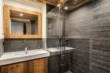Courchevel 1550 Luxury Rental Chalet Niuron Bathroom