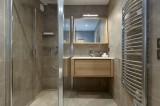 Courchevel 1650 Luxury Rental Appartment Altanto Bathroom