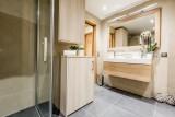 Courchevel 1650 Luxury Rental Appartment Amicite Bathroom