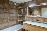 Courchevel 1650 Luxury Rental Appartment Amurile Bathroom 3