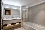 Courchevel 1650 Luxury Rental Appartment Aurolite Bathroom