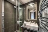 Courchevel 1650 Luxury Rental Appartment Dalersi Bathroom 2
