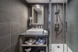 Courchevel 1650 Luxury Rental Appartment Doredo Bathroom