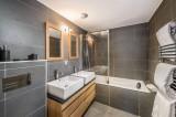 Courchevel 1650 Luxury Rental Appartment Temagamite Bathroom 2