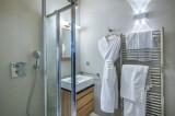Courchevel 1650 Luxury Rental Appartment Tengerite Bathroom