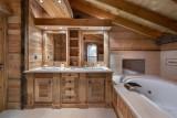 Courchevel 1850 Luxury Rental Appartment Bapilite Bathroom 3