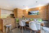 Courchevel 1850 Luxury Rental Appartment Tavorite Dining Room