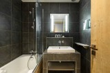Courchevel 1850 Luxury Rental Appartment Vizrine Bathroom