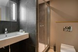 Courchevel 1850 Luxury Rental Appartment Vizrine Bathroom 2