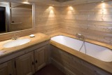 Courchevel 1850 Luxury Rental Chalet Cinnamon Bathroom 2