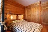 Courchevel 1850 Luxury Rental Chalet Tantalite Bedroom 3