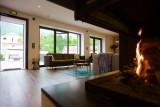 fireplacelivingroomlakelodge-8006