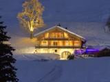 La Clusaz Location Chalet Luxe Lawsonite Exterieur L'Hiver Le Soir