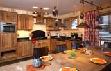 Les Deux Alpes Luxury Rental Chalet Wardite Kitchen