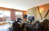 Les Deux Alpes Luxury Rental Chalet Wardite Living Room