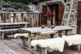 Les Gets Location Chalet Luxe Geigerite Table Extérieure