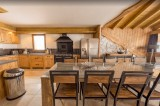 Les Menuires Luxury Rental Chalet Lalinaire Kitchen
