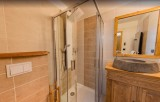 Les Menuires Luxury Rental Chalet Lalinaire Bathroom