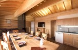 Les Menuires Luxury Rental Chalet Mizzanite Dining Room