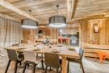 Val d'Isère Location Appartement Dans Résidence Luxe Solena Table à Manger
