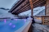 Val d'Isère Luxury Rental Appartment Aramias Jacuzzi
