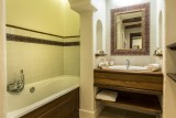 Val d'Isère Luxury Rental Apartment Varalite Bathroom 2