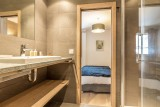 Val d'Isère Luxury Rental Apartment Vaselate Bathroom