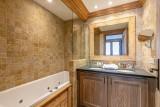 Val d'Isère Luxury Rental Apartment Vatalis Bathroom 2