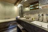 Val d'Isère Luxury Rental Appartment Vatilis Bathroom 3