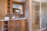 Val d'Isère Luxury Rental Chalet Jaden Bathroom 2