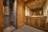 Val D'Isère Luxury Rental Chalet Umbute Shower Room