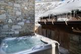 Val d'Isère Luxury Rental Chalet Uralelite Jacuzzi