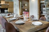 Val d'Isère Luxury Rental Chalet Vabodia Dining Area 3