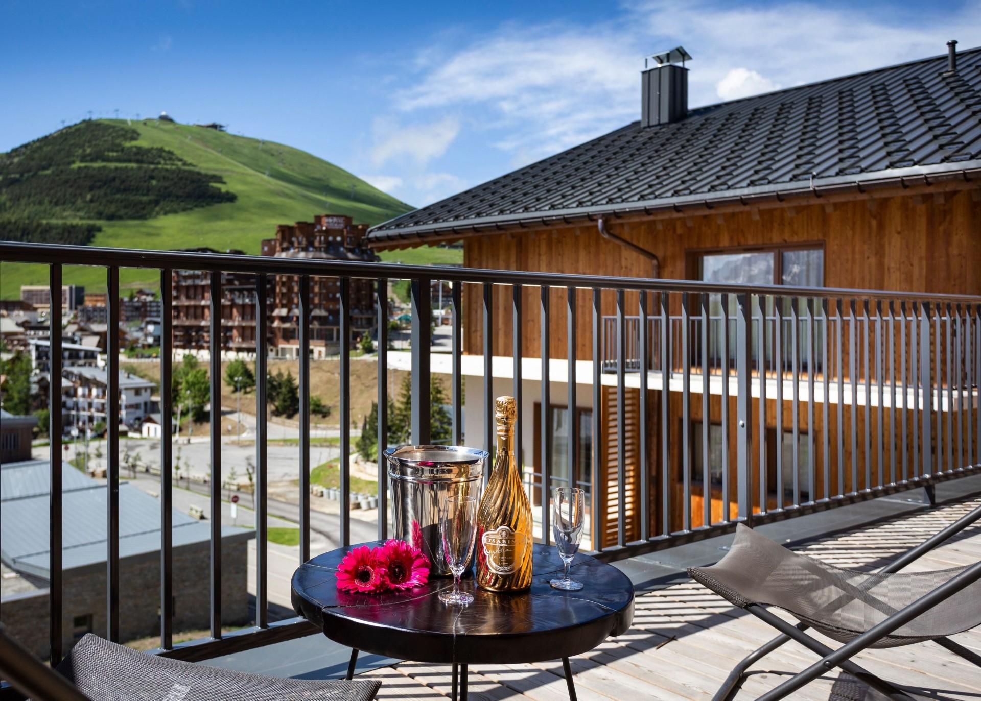 Alpe D'Huez Location Appartement Luxe Amari Balcon