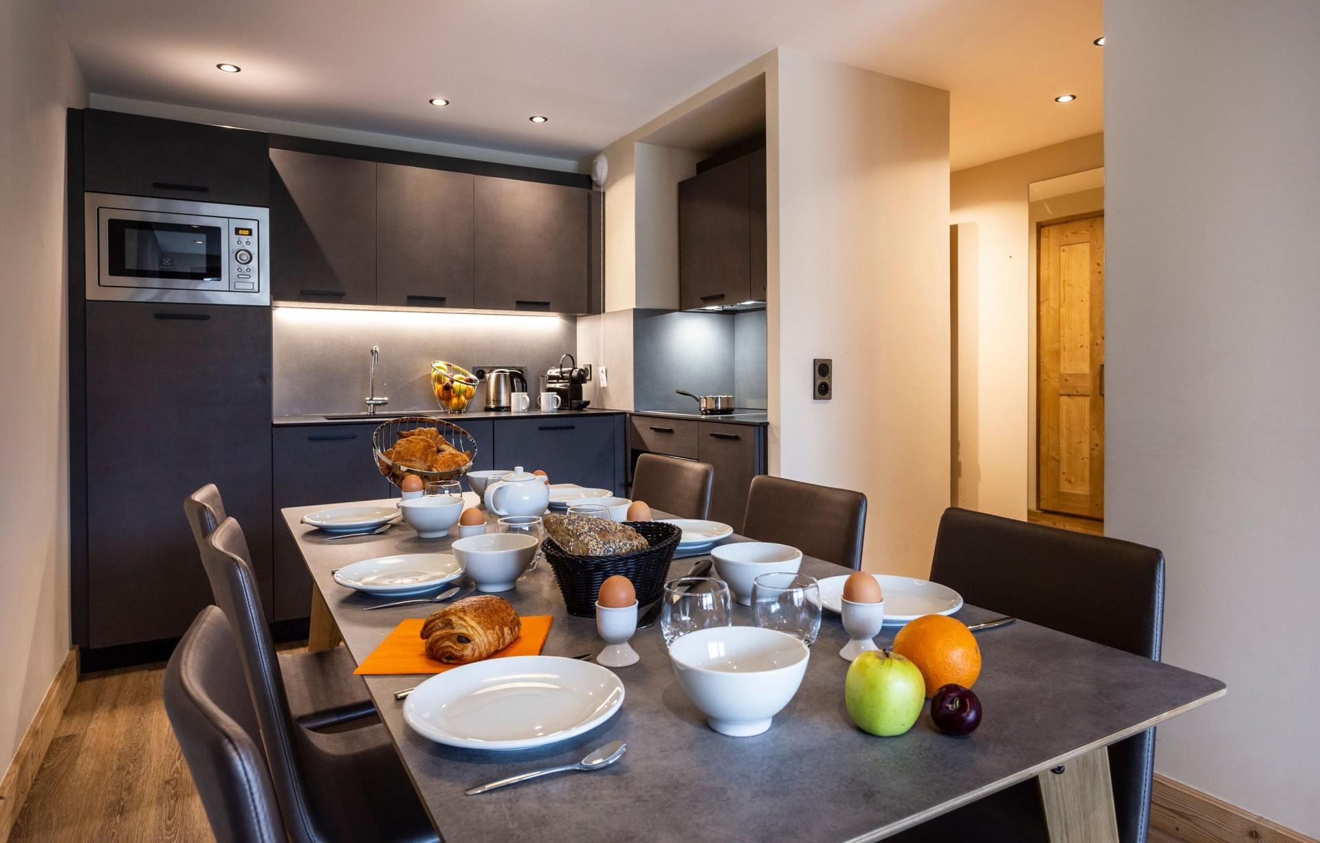 Alpe D'Huez Location Appartement Luxe Amari Table A Manger