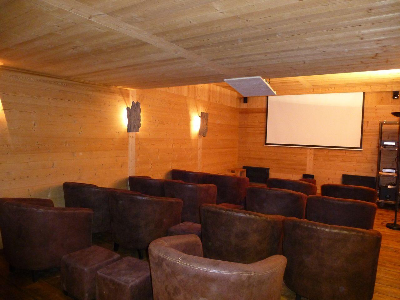 Argentière Location Chalet Luxe Callainite Salle Cinéma