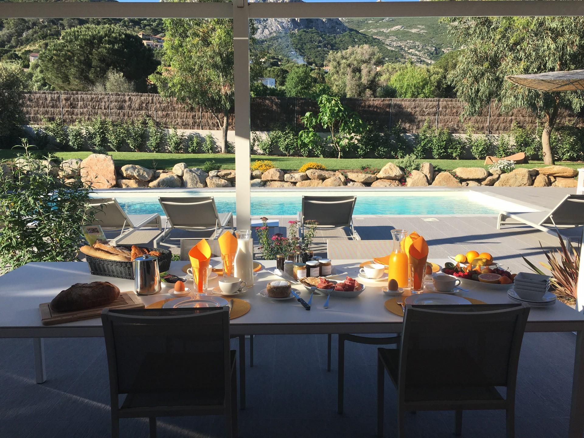 Calvi Location Villa Luxe Curry Table Exterieure