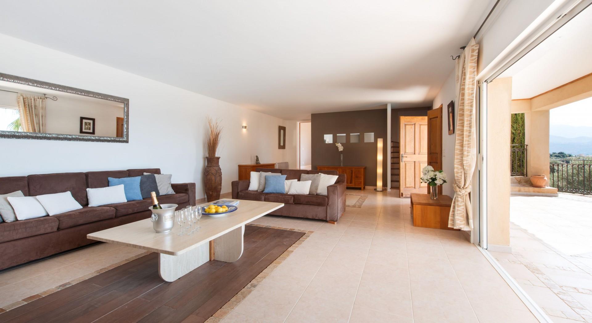Calvi Location Villa Luxe Diademe Royal Séjour 3