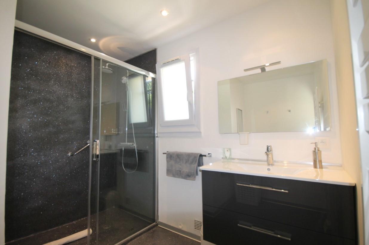 Cannes Luxury Rental Villa Calendula Bathroom 2