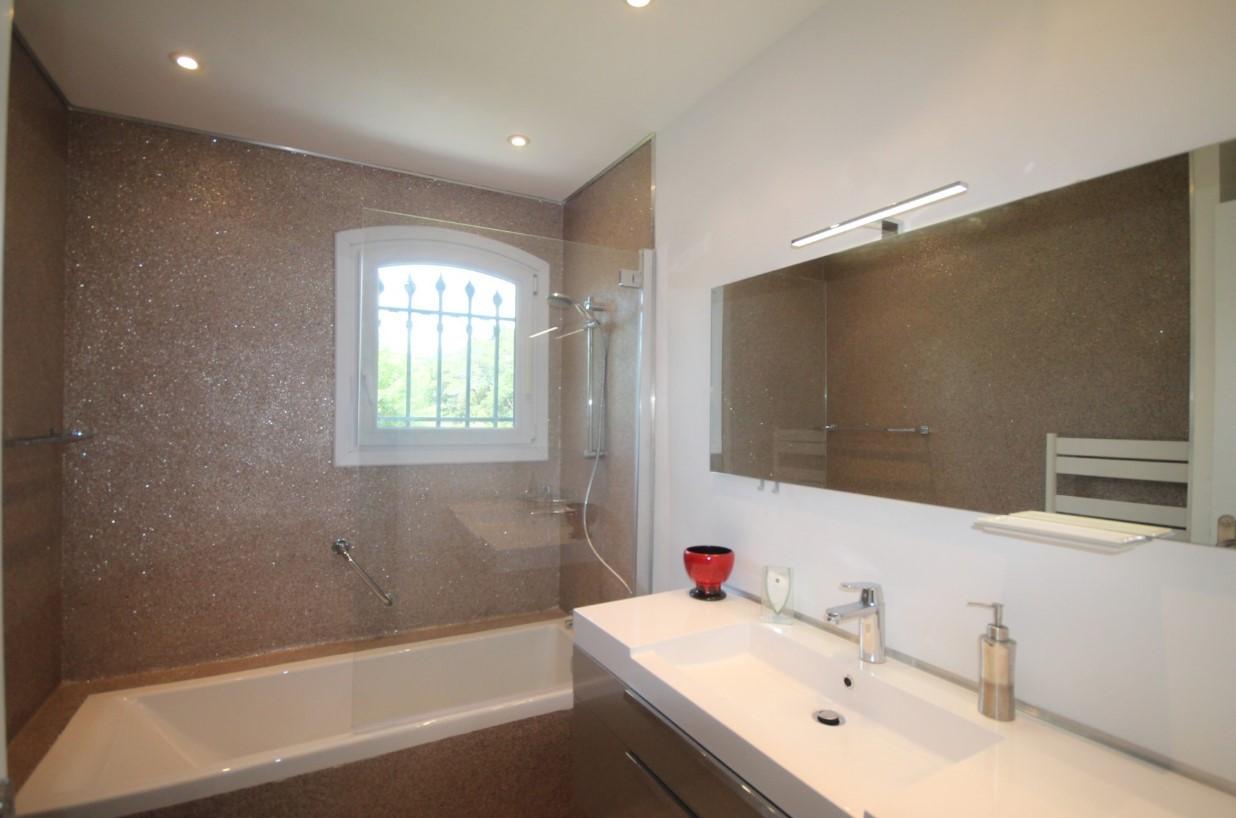 Cannes Luxury Rental Villa Calendula Bathroom 3